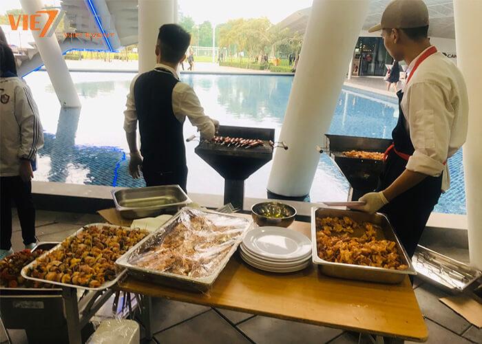 Khu ẩm thực ,ăn nhẹ của trường, rất nhiều đồ ăn đã được chuẩn bị và hơn hết là hoàn toàn FREE
